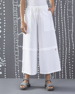Knee Pleat Pants - White
