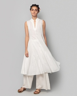 Sleeveless Kurta - Ivory