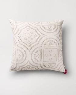 Octa Cushion - Ivory
