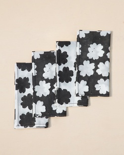 Campana Dinner Napkins (Set of 4)