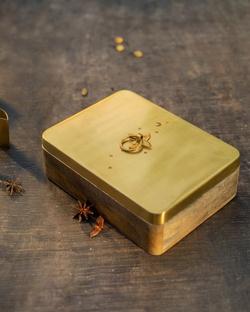 Chand spice box